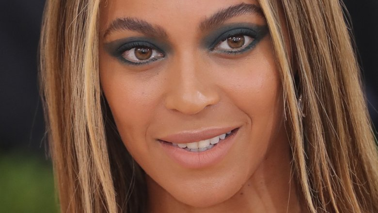 Singer Beyonce Looks Just Like Daughter Blue Ivy In This Throwback Picture