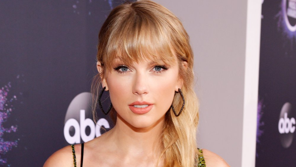 Taylor Swift accused of 'stealing' Folklore logo from businesswoman