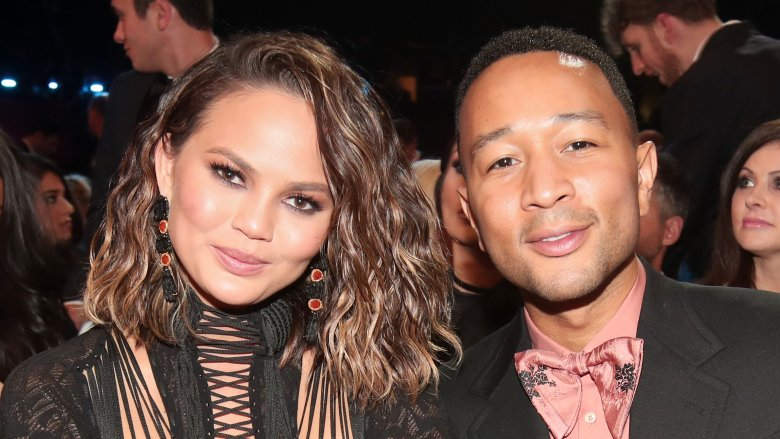 Chrissy Teigen I'm Preggo Again ... Tell 'Em, Luna!