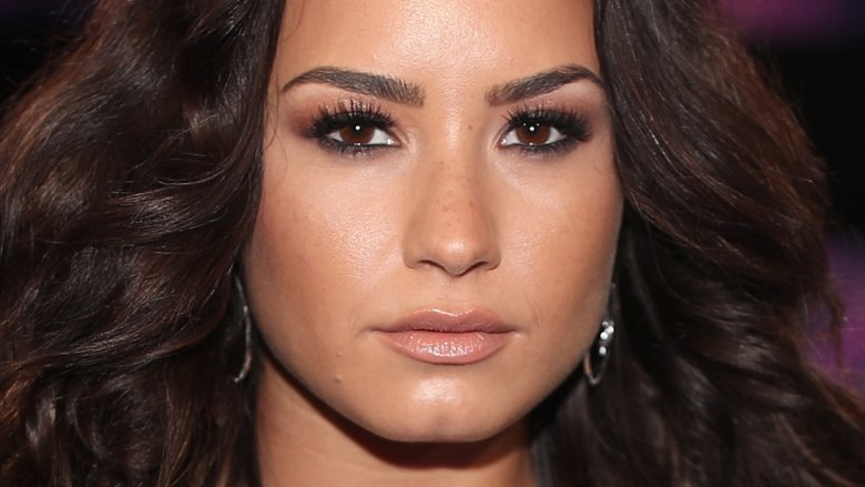 Is Demi Lovato dating a woman?