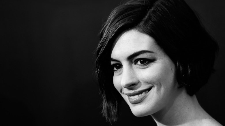 how anne hathaway became hollywood s most hated celeb