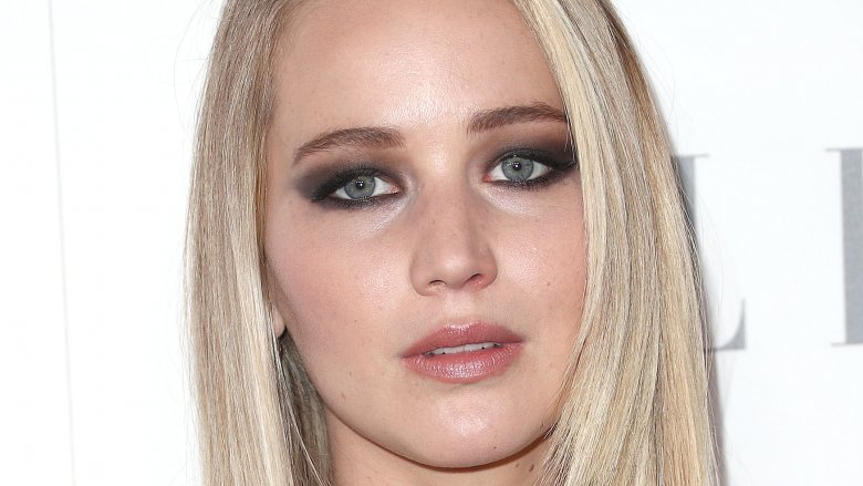 Jennifer Lawrence acts like an 'a***hole' to avoid fans in public