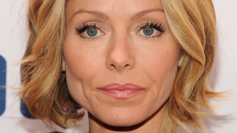 Kelly Ripa Defends Ryan Seacrest On Air Amid Sexual Misconduct Claims