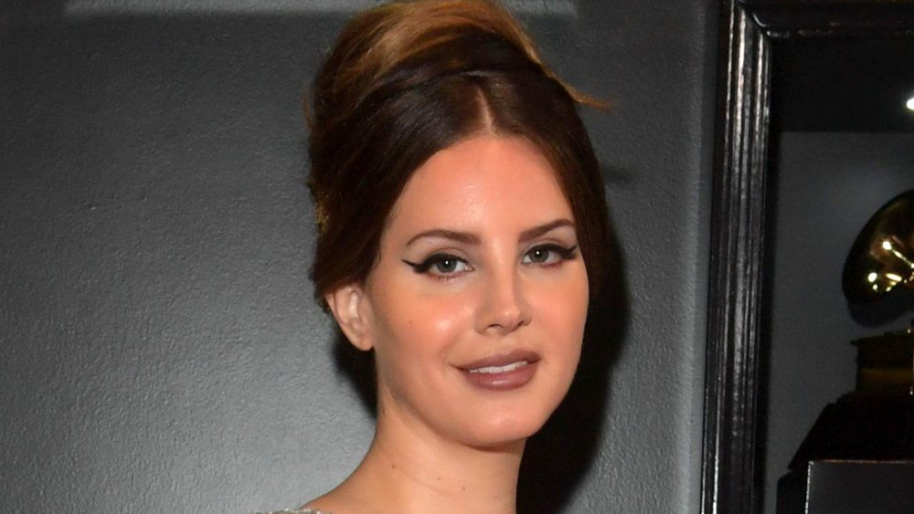 Lana Del Rey Preps LP of Standards, Covers 'You'll Never Walk Alone'