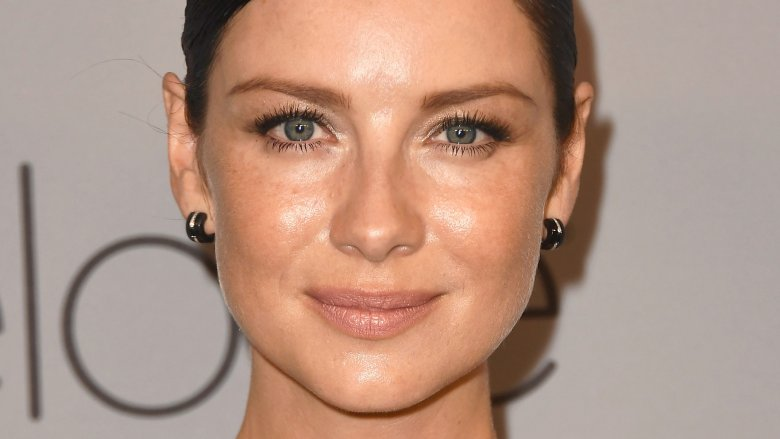 'Outlander' Star Caitriona Balfe Is Engaged, Showing Ring at Golden Globes