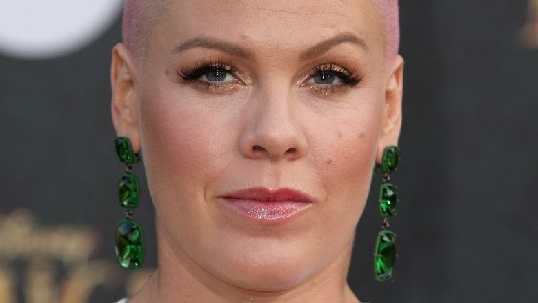 Pink posts help message to Instagram after getting stuck in a lift