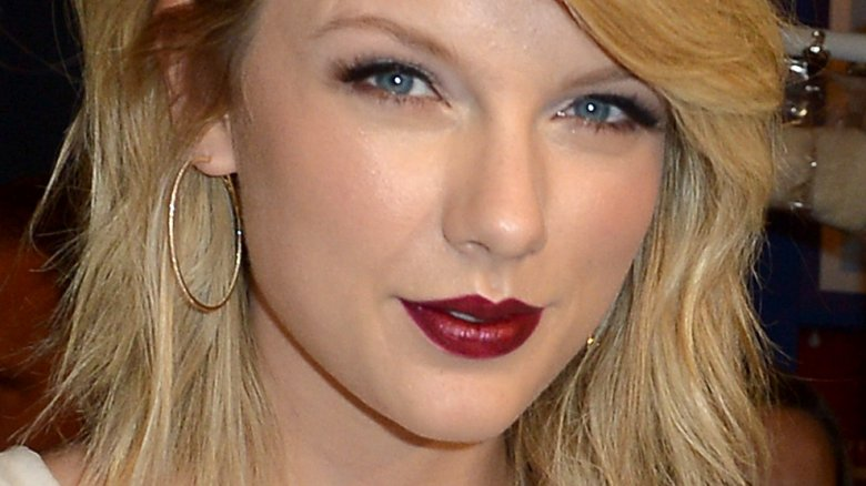 Taylor Swift's AMAs 2017 Message to Diana Ross Met With Mixed Reactions