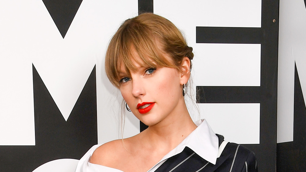 Taylor Swift lands first place in UK Albums Chart with Evermore
