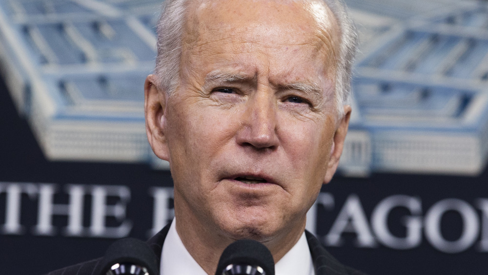 Biden pushes infrastructure in bipartisan meeting