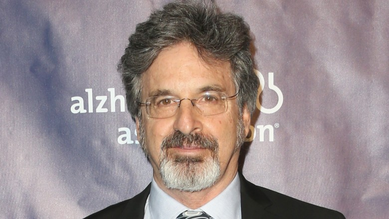 Actor Robert Carradine's wife claims he tried to kill them