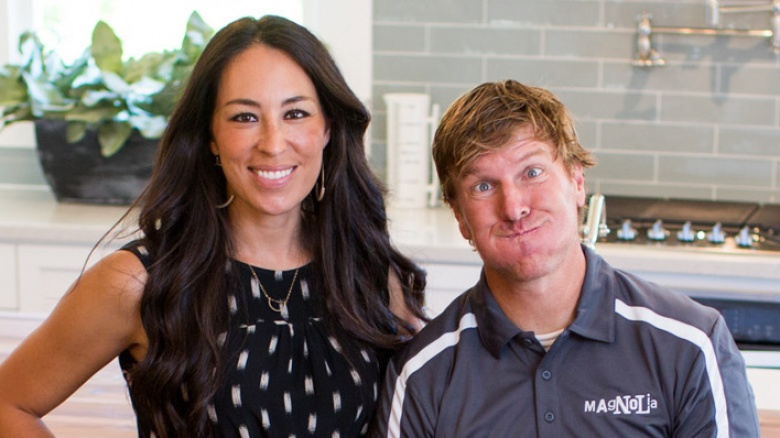 The untold truth about fixer upper for What nationality is joanna from fixer upper