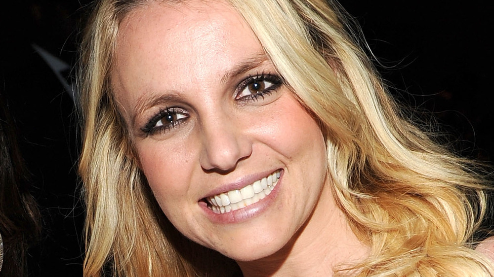 Britney Spears teeth