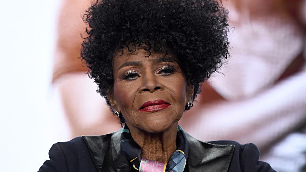 Cicely Tyson looks out at the audience at an event