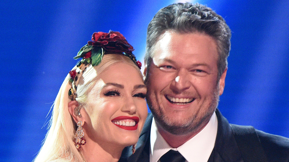 Gwen Stefani and Blake Shelton on stage