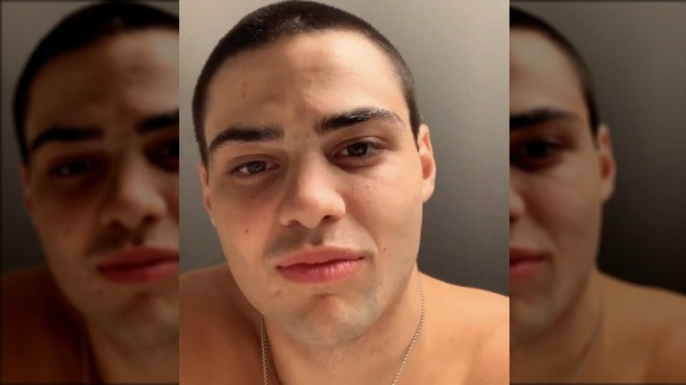 Noah Centineo shaved his head and also nobody online can manage