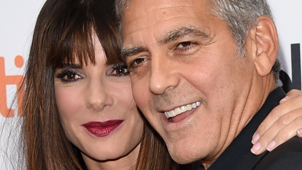The Real Reason George Clooney And Sandra Bullock Never Dated Intro-1617298692
