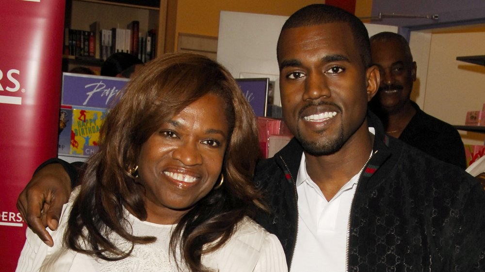 Kanye West and Donda West smiling in 2007
