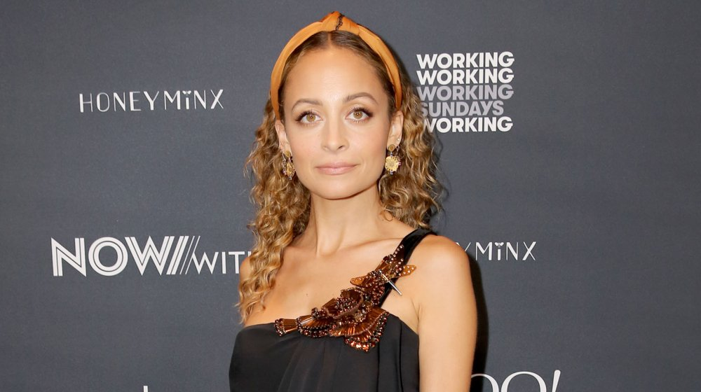 Nicole Richie posing at an event