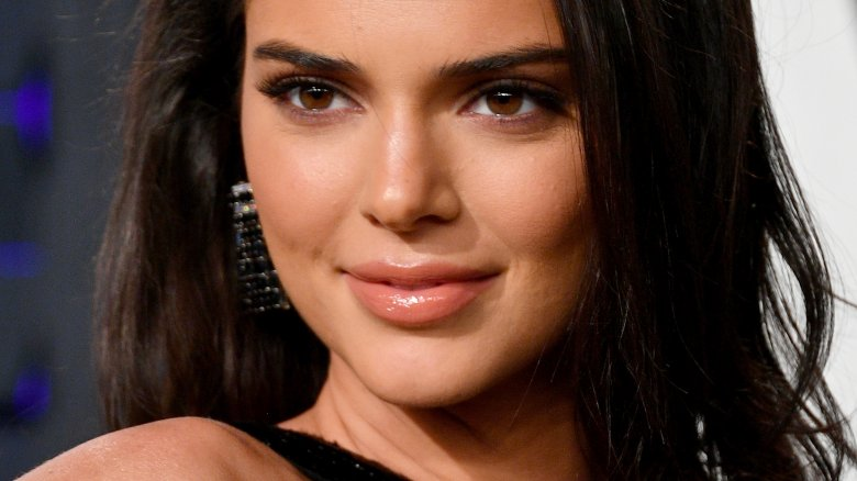 Where does Kendall Jenner live and also exactly how huge is her house? Beverly Hills