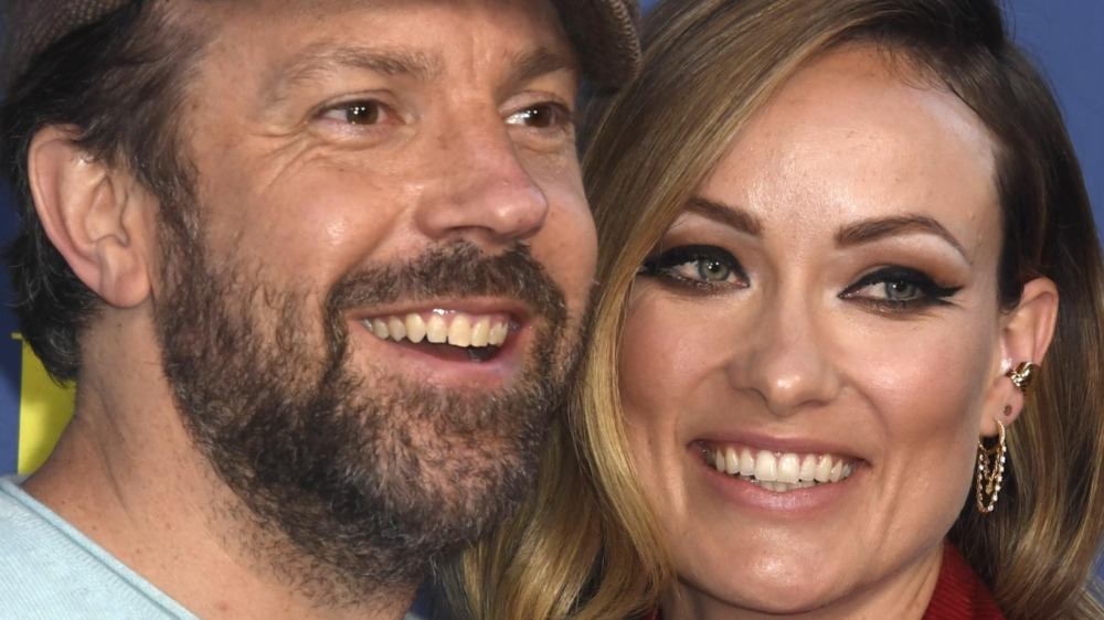 Jason Sudeikis and Olivia Wilde smiling
