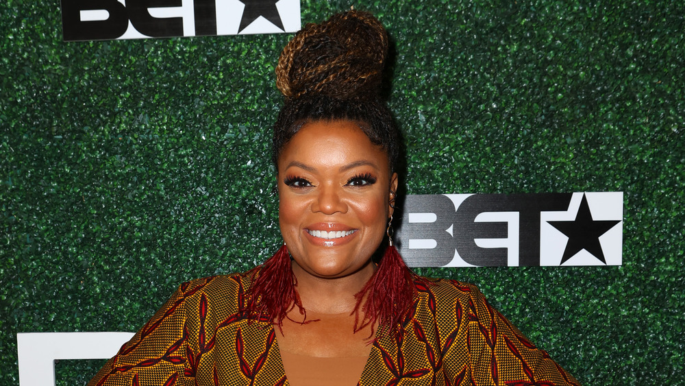 Yvette Nicole Brown smiling on the red carpet