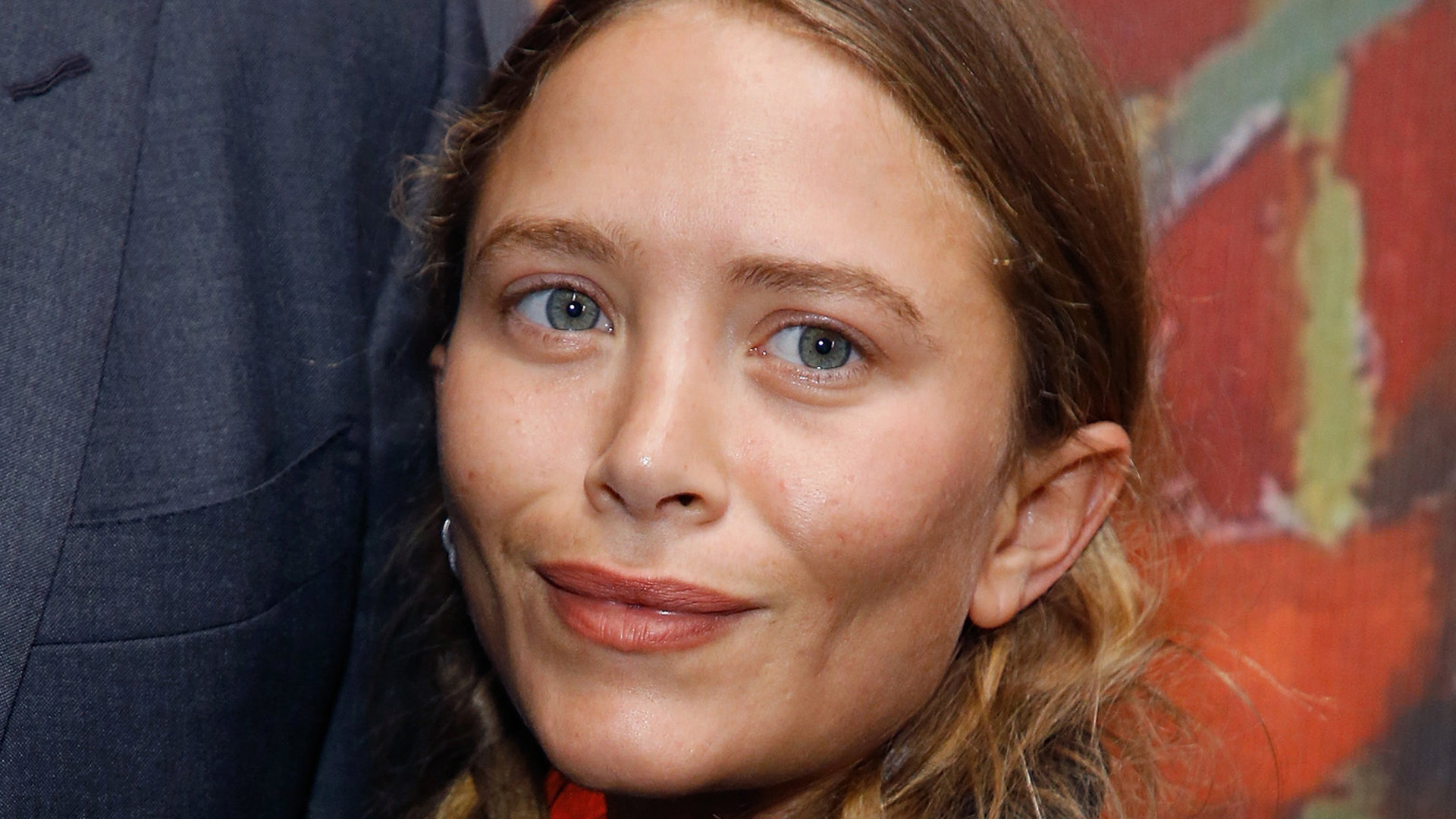Beyond Bizzarre Now Theyre Hiding >> Things In The Olsen Twins Lives That Make No Sense